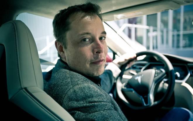 Elon-Musk-2012-Tesla-Model-S