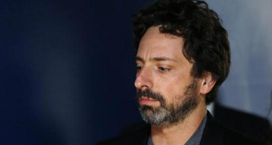 2014 年 11 月,没有佩戴 Google Glass 的 Sergey Brin 显得有些憔悴 / 路透社