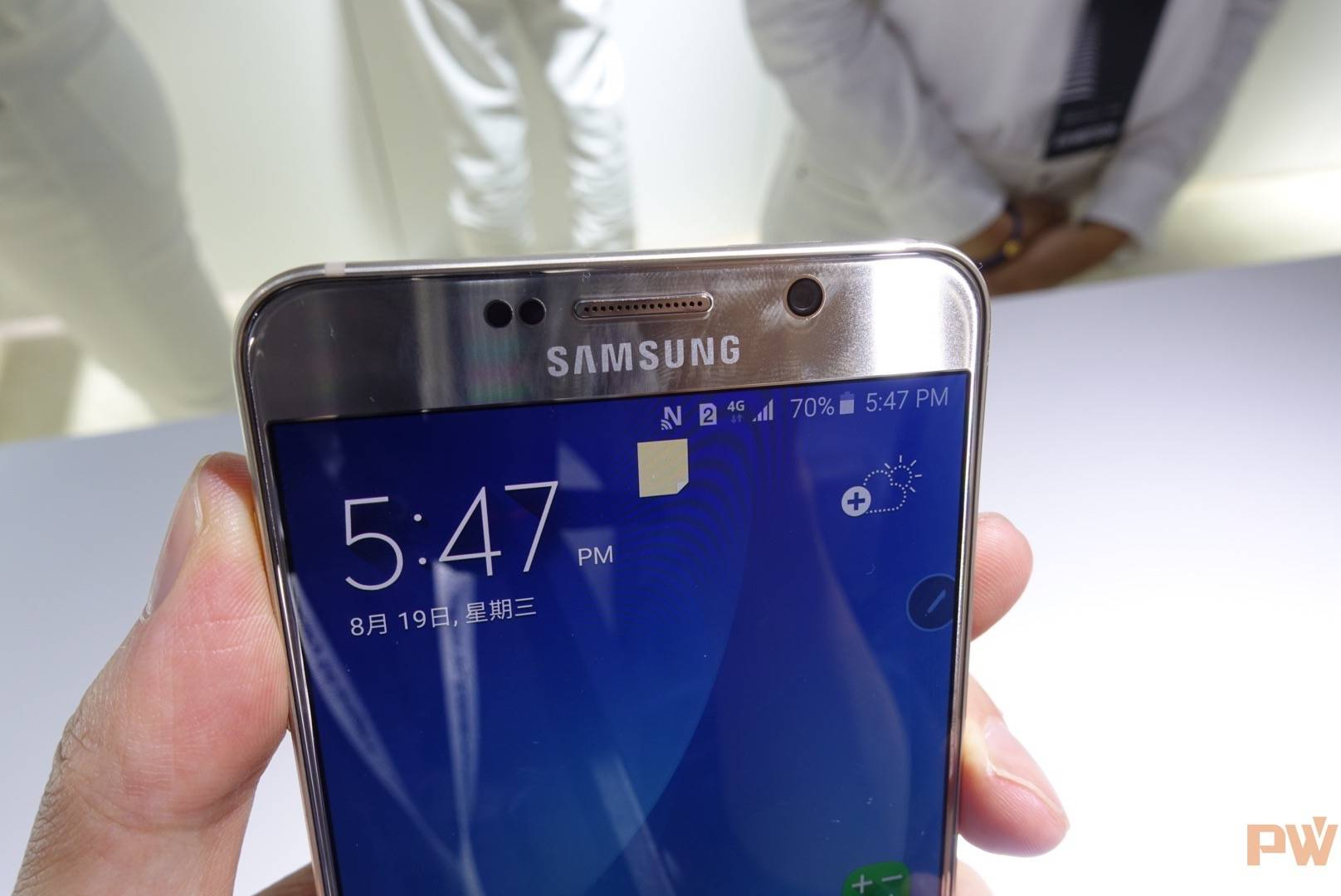 Galaxy S6 Edge Plus正面上端