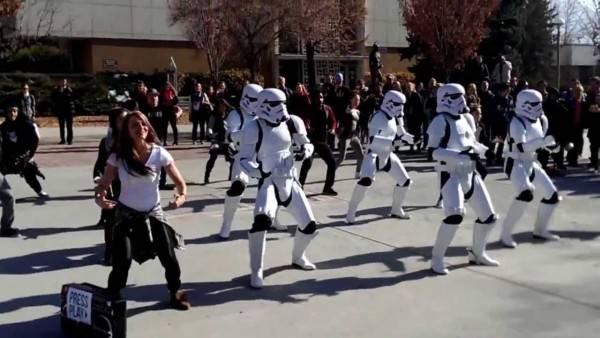 stormtrooper-costume-dance
