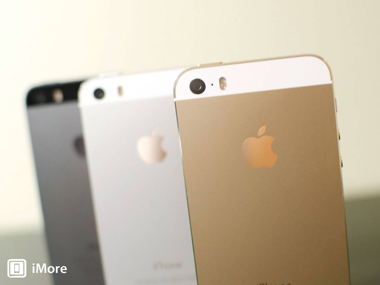 iphone_5s_gold_silver_gray_backs_hero
