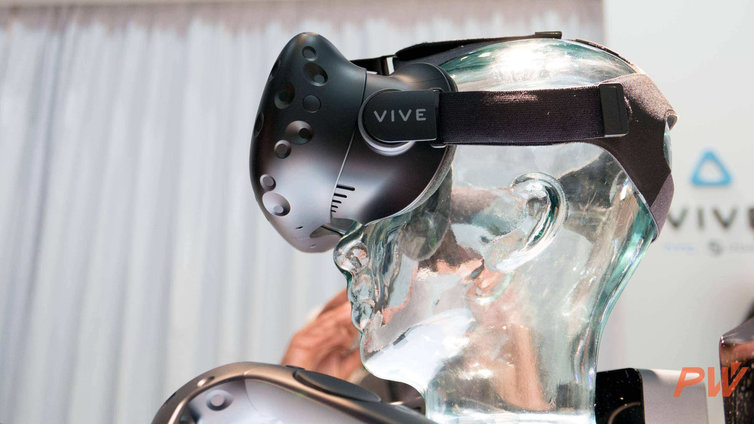 HTC vive consumer version final MWC 2016 PingWest Photo By Hao Ying-6