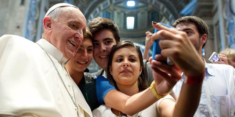 pope-selfie-1