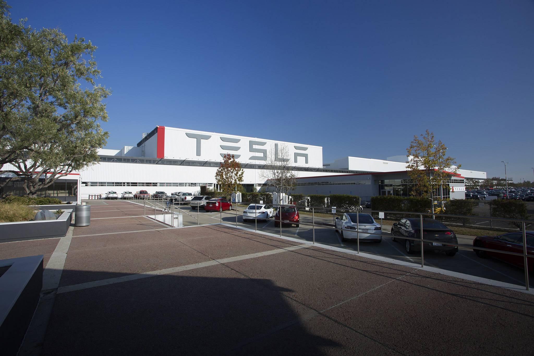 tesla-factory-exterior