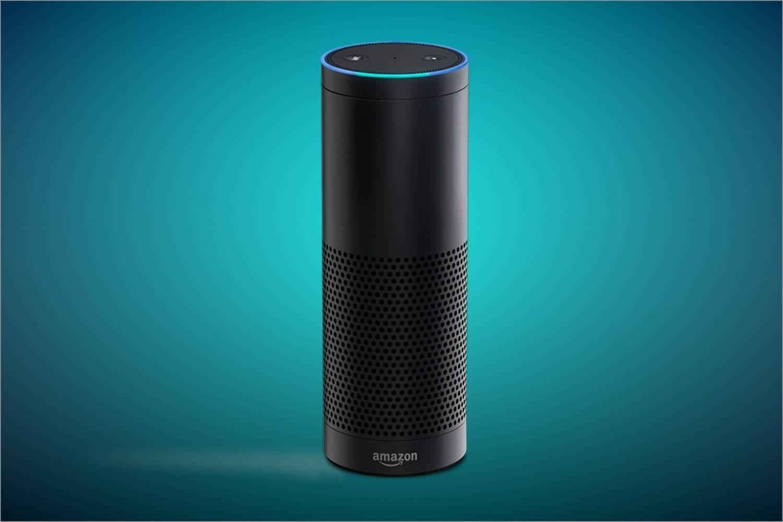 内置语音助理的亚马逊的智能音箱 Echo