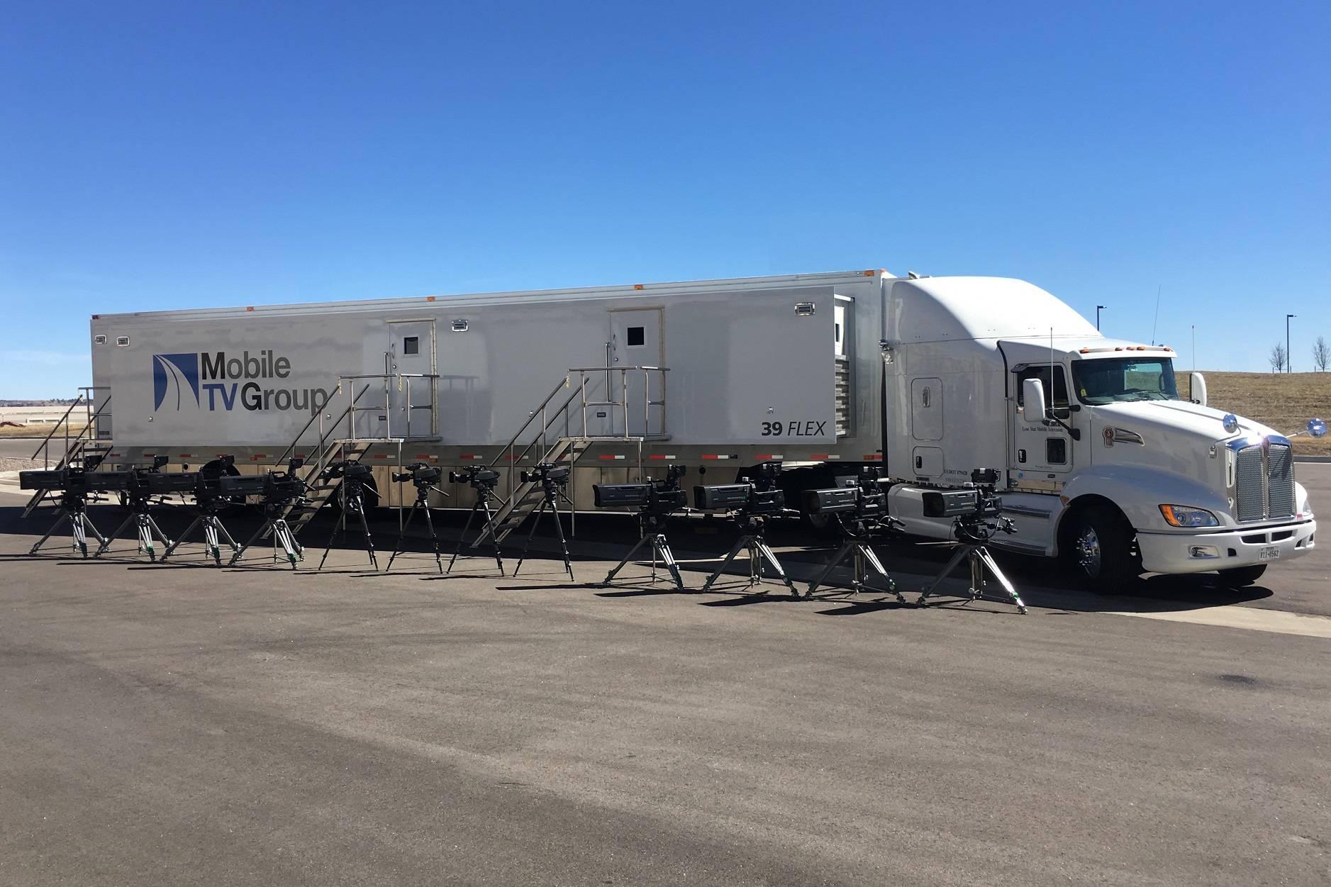 broadcast-truck