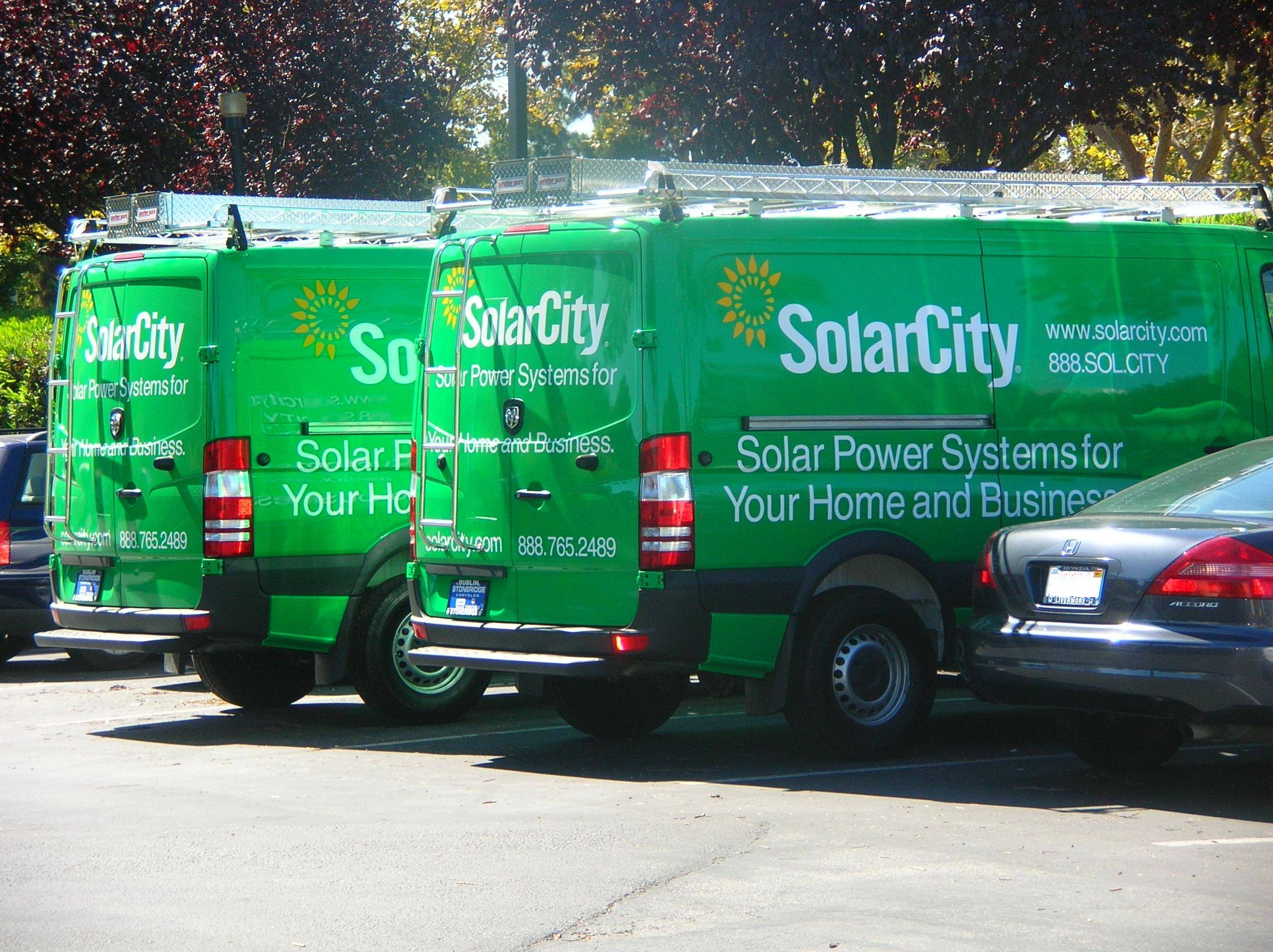 Pair_of_2009_SolarCity_Dodge_Sprinters