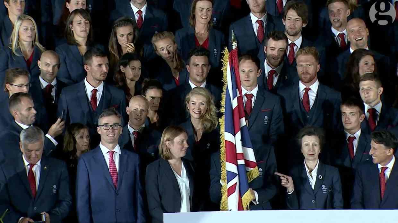 安妮公主,差点被自己国旗砍死……旗手是英国网球名将穆雷