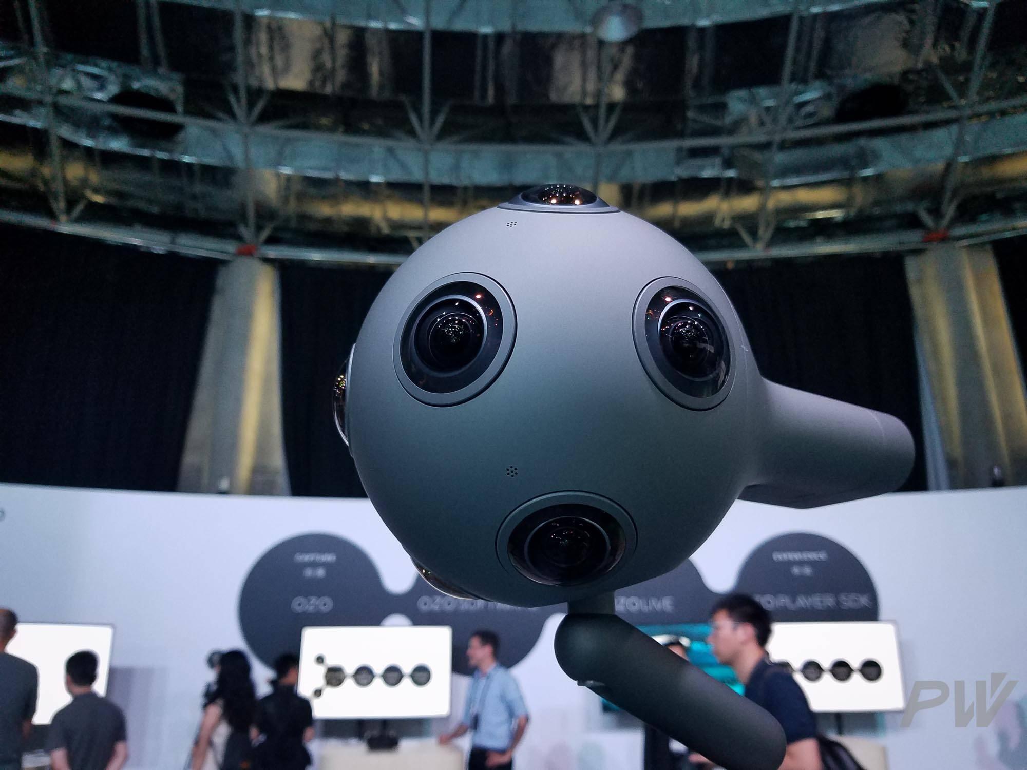 这就是八只眼睛的 OZO。