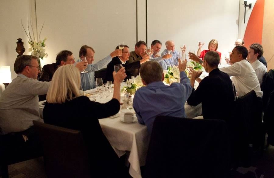 obamas-dinner-with-americas-tech-leaders--whos-who-in-the-iconic-image