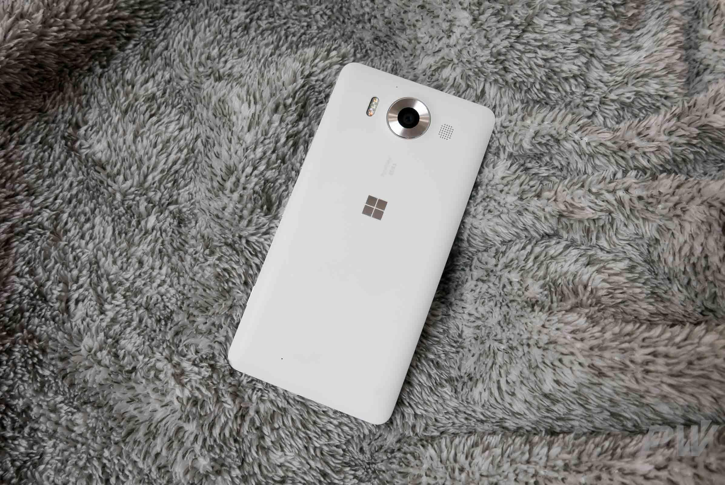 末代 Windows 机皇:Lumia 950