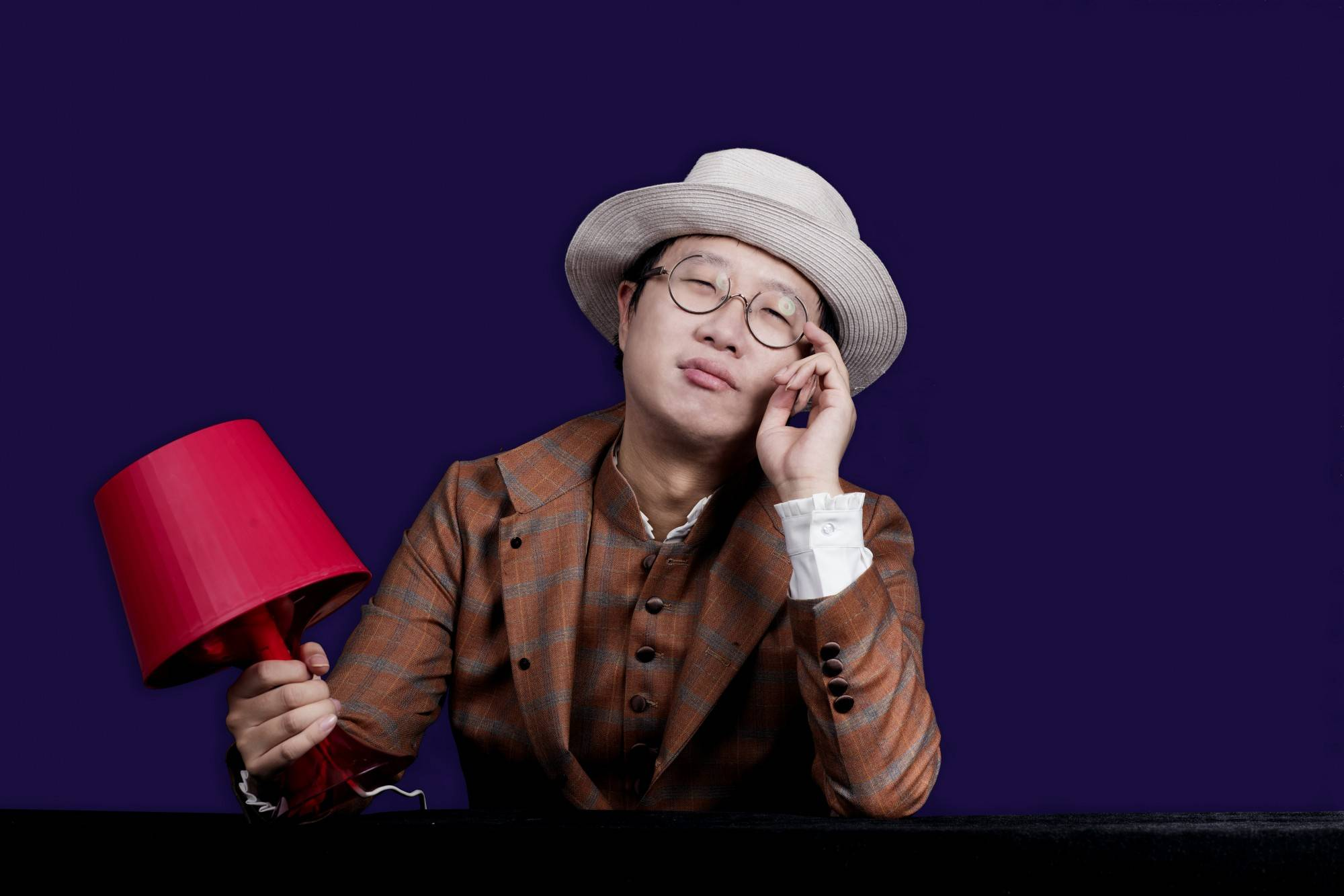 我是骆轶航,江湖人称托马斯骆或者骆少,是 PingWest 品玩的创始人,在科技圈里算是半个「网红」,是个资深的科技媒体从业人士。