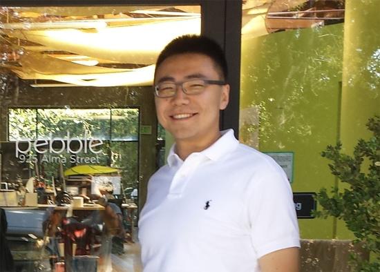 (本文作者:Wally王英骁,清华大学自动化本科毕业,曾在纽约大学斯特恩商学院攻读博士,是Pebble第一个数据科学家和唯一一个华人工程师,并曾经负责过Pebble在中国市场的合作。他离开 Pebble 后曾负责 Misfit 在亚洲的战略合作,Misfit 也已于 2015 年底被美国上市公司Fossil Group 以2.6亿美金收购。)
