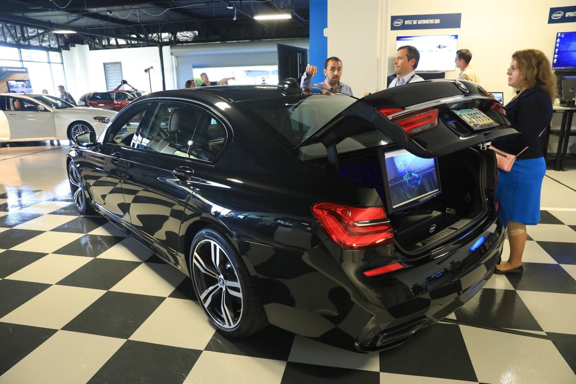 Intel-Autonomos-driving-2-1-squashed