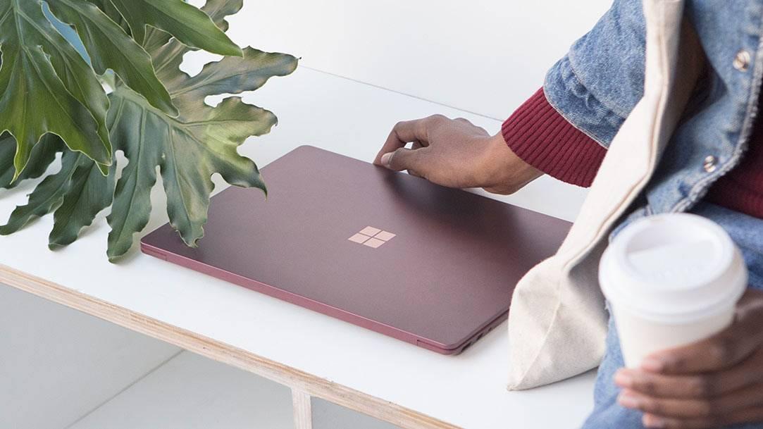 Surface_dl_Innovation_FeatureCenteralign_Burgundy_V2.png