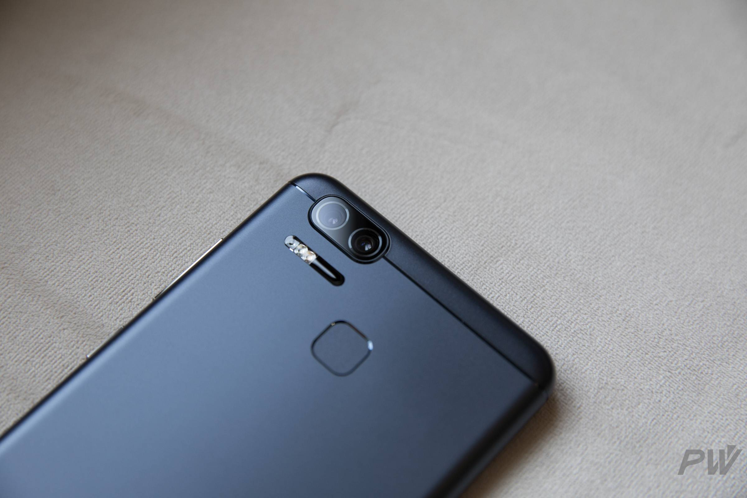 ASUS ZenFone 3 Zoom PW Photo by Hao Ying-10