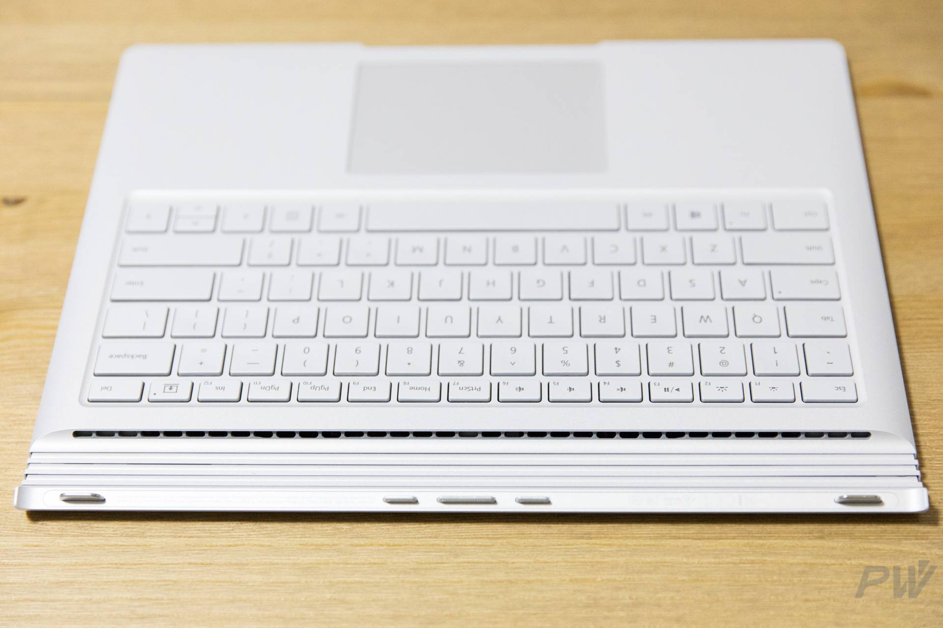 Microsoft Surface Book 2017 Photo by Hao Ying-22