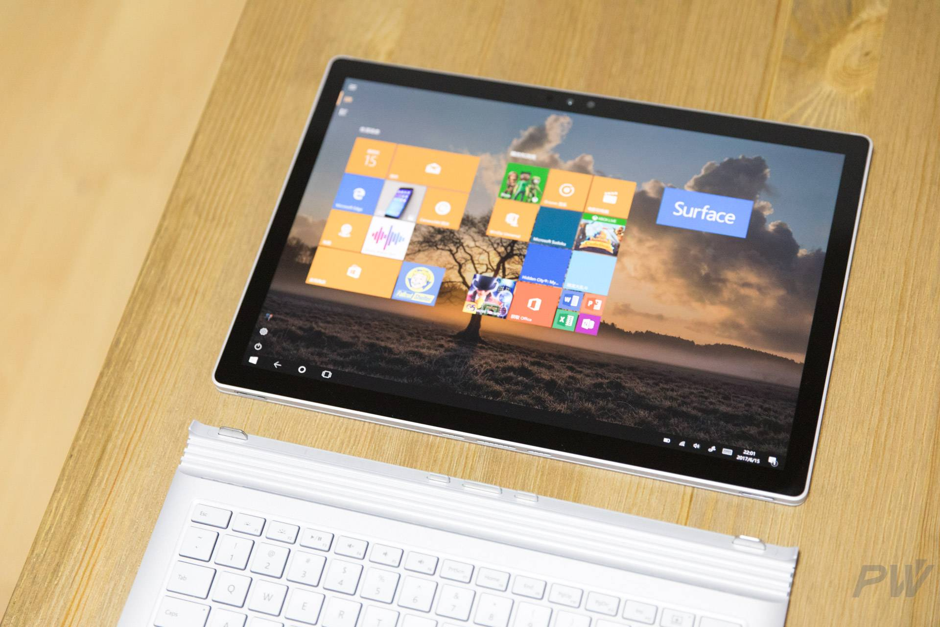 Microsoft Surface Book 2017 Photo by Hao Ying-23