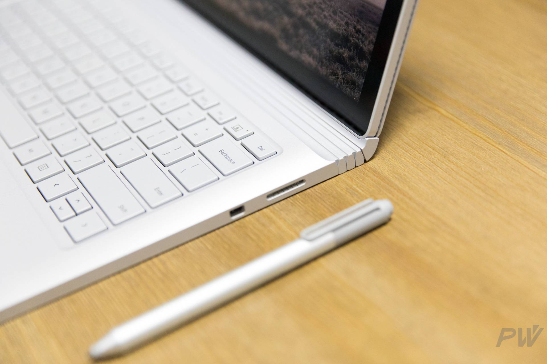 Microsoft Surface Book 2017 Photo by Hao Ying-41