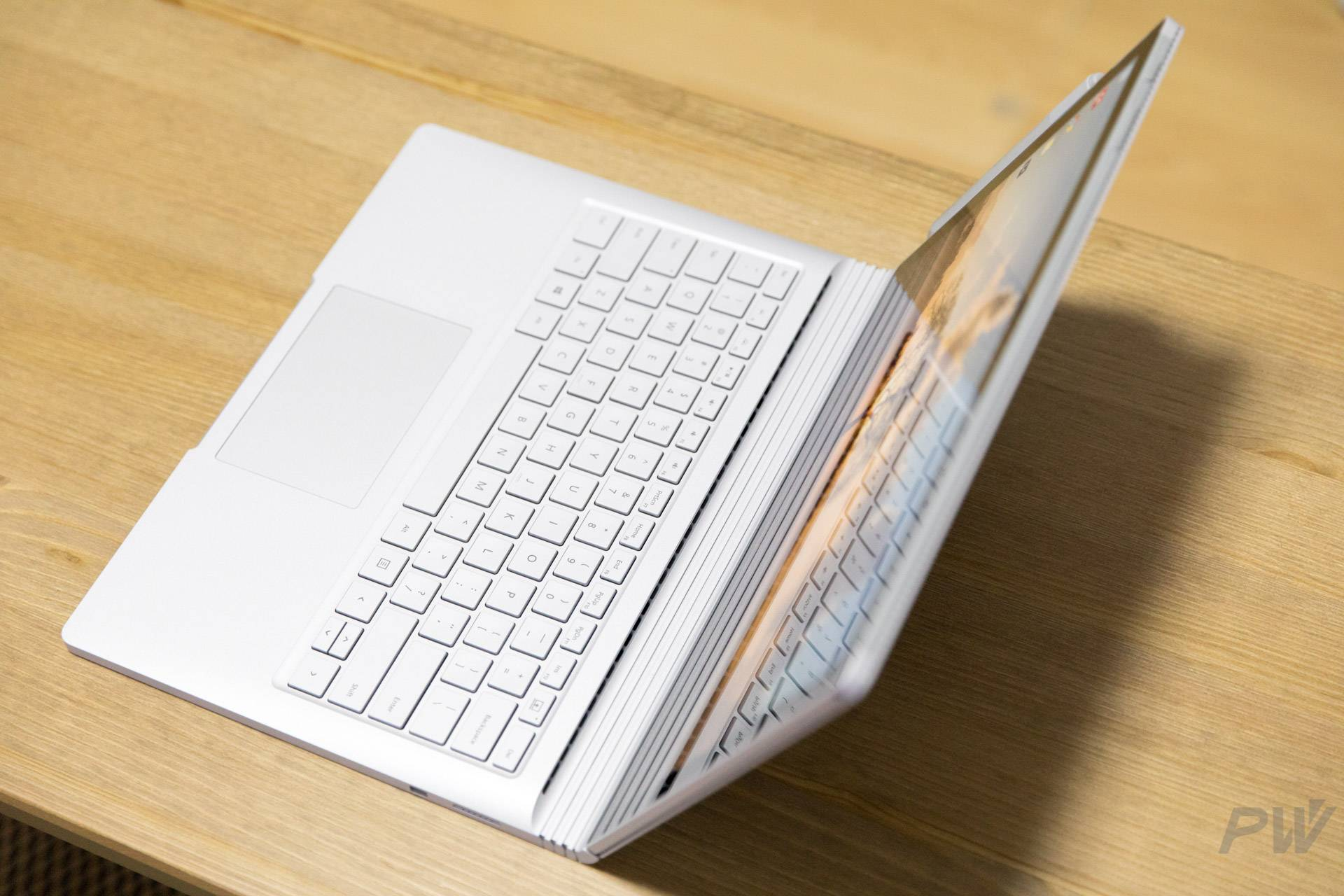 Microsoft Surface Book 2017 Photo by Hao Ying-6
