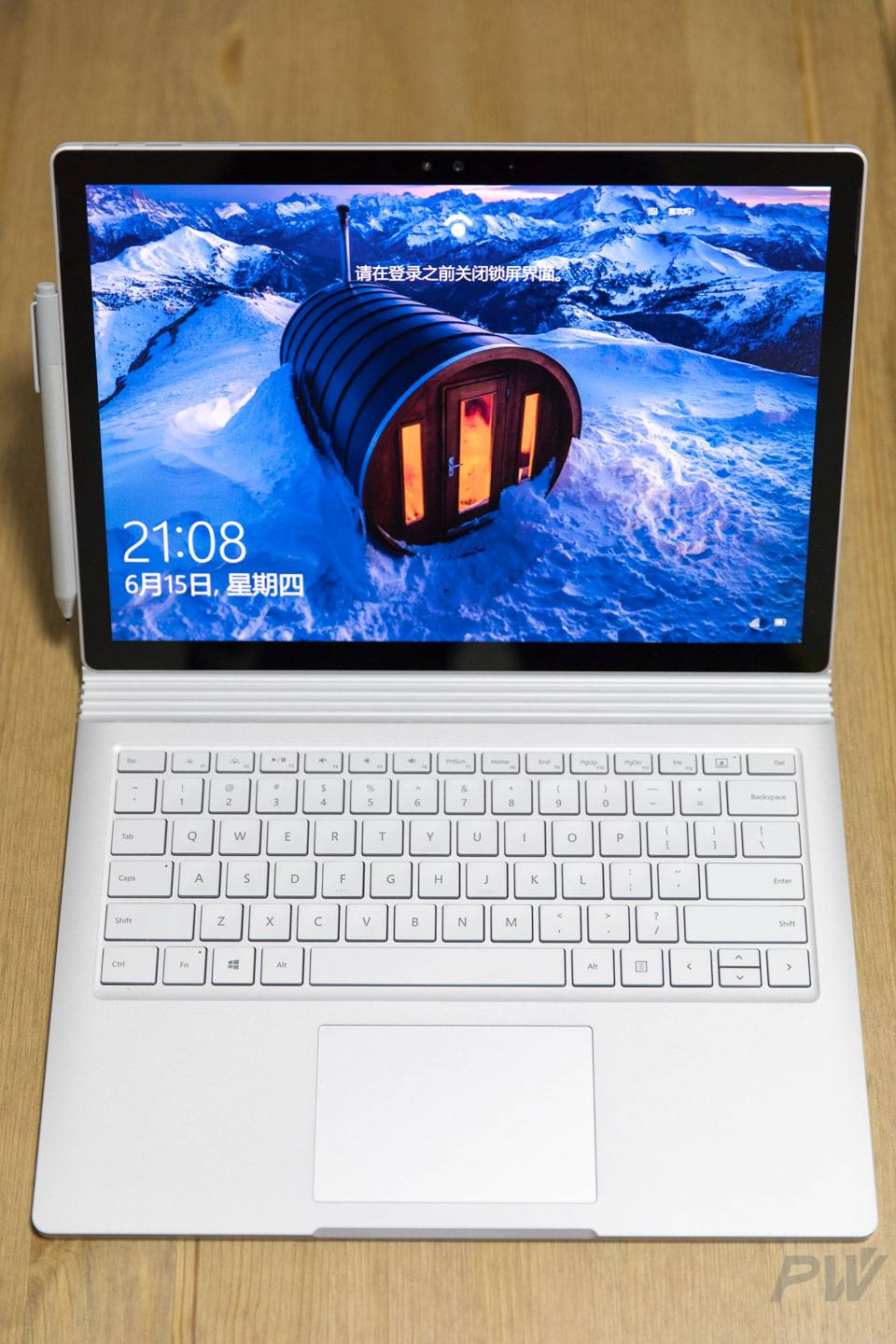 Microsoft Surface Book 2017 Photo by Hao Ying