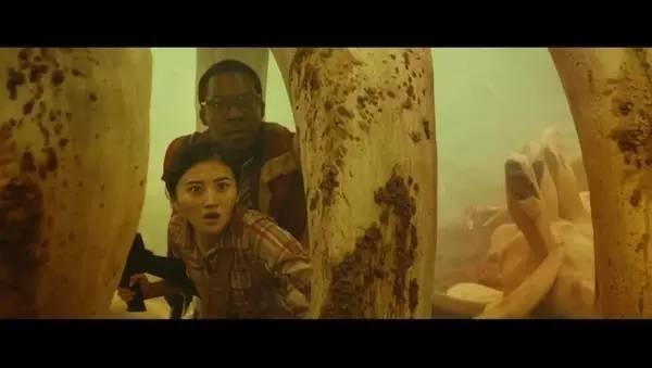 说景甜在《金刚:骷髅岛》里衣服都没脏的人一定只看了剧照