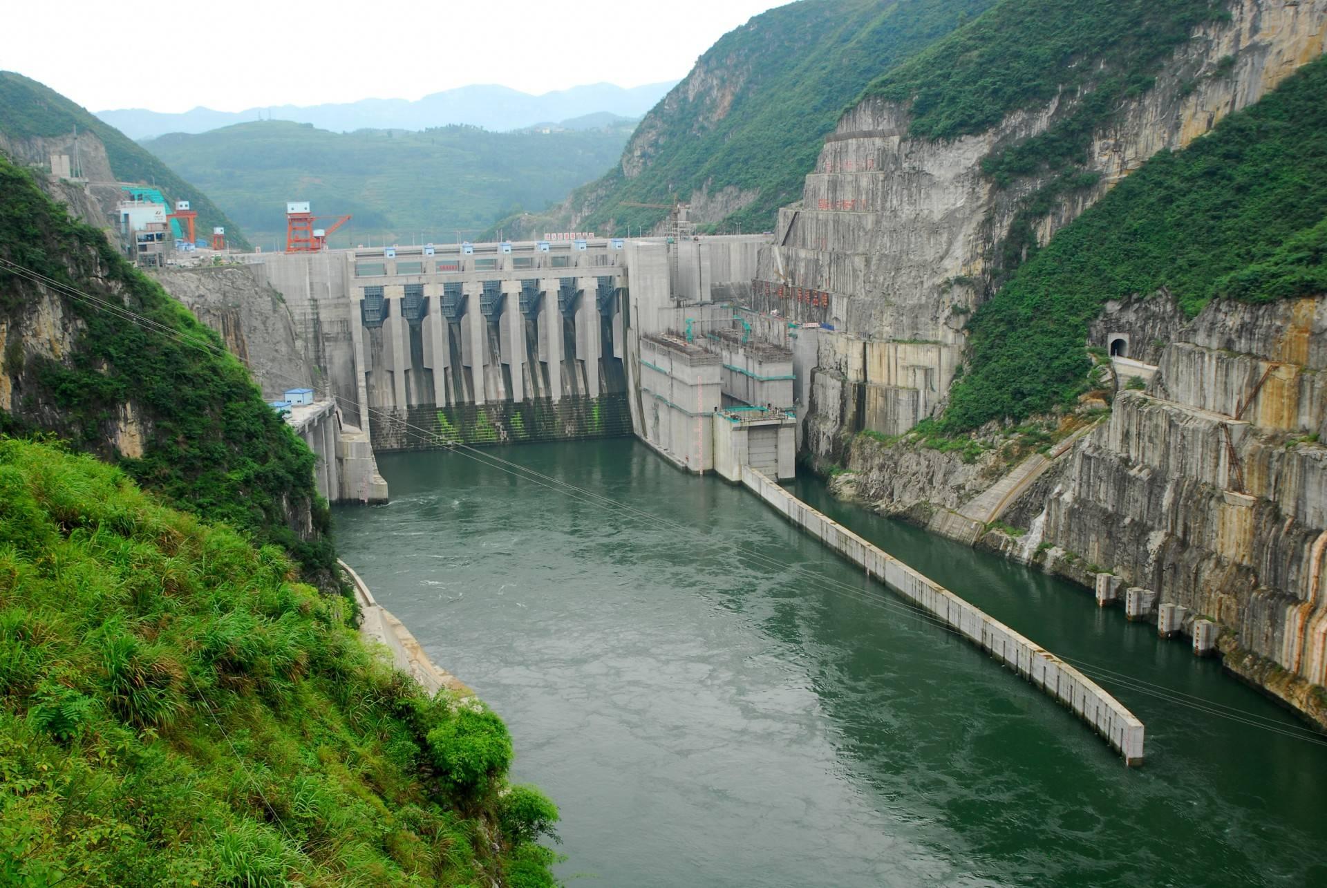 图为建设中的贵州北盘江流域水电站