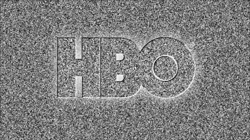 雪花背景的 Logo 是 HBO 频道的经典画面