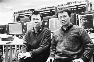 陈云霁(右)与陈天石兄弟。