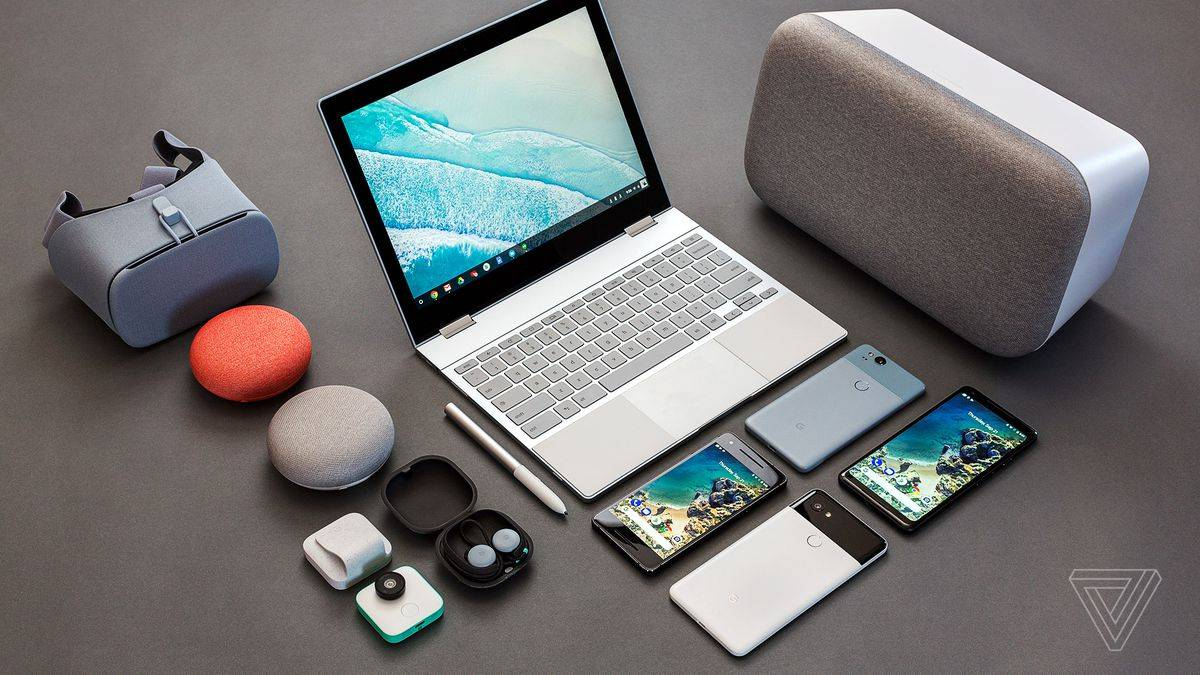 Google Pixel 2、Pixelbook 等诸多硬件产物。图片来自 The Verge。
