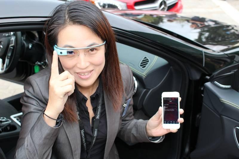 梅赛德斯奔驰公司在美国加利福尼亚州的北美R&D中心正在测试Google Glass和汽车的连接。