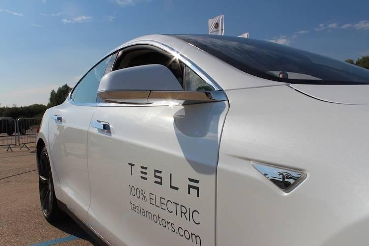 Tesla P