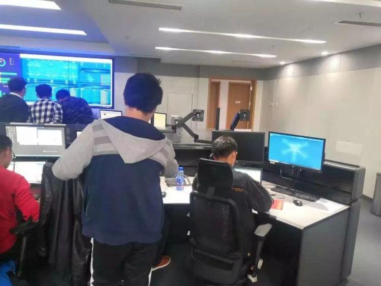 """数据信息控制中心如今是计算机工程师们新的""""巢穴"""""""