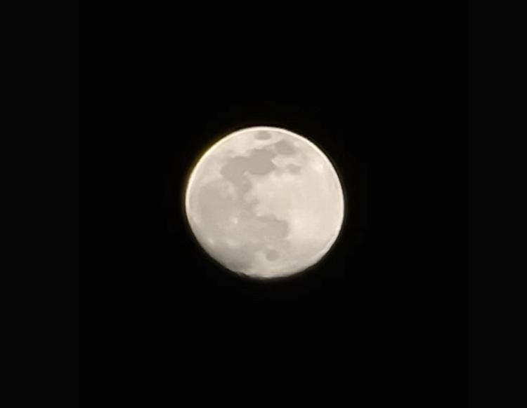 S20 Ultra 80倍变焦下的月亮