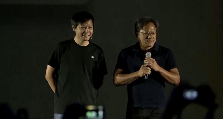 """小米3移动版发布会上,老黄与雷军""""尬聊"""""""
