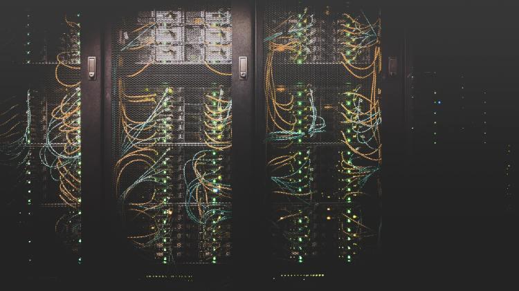 在过去,数据仓库的用户面临重重问题
