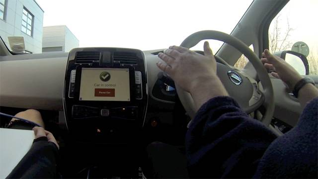 The self driving robot car controlled by an iPad - video