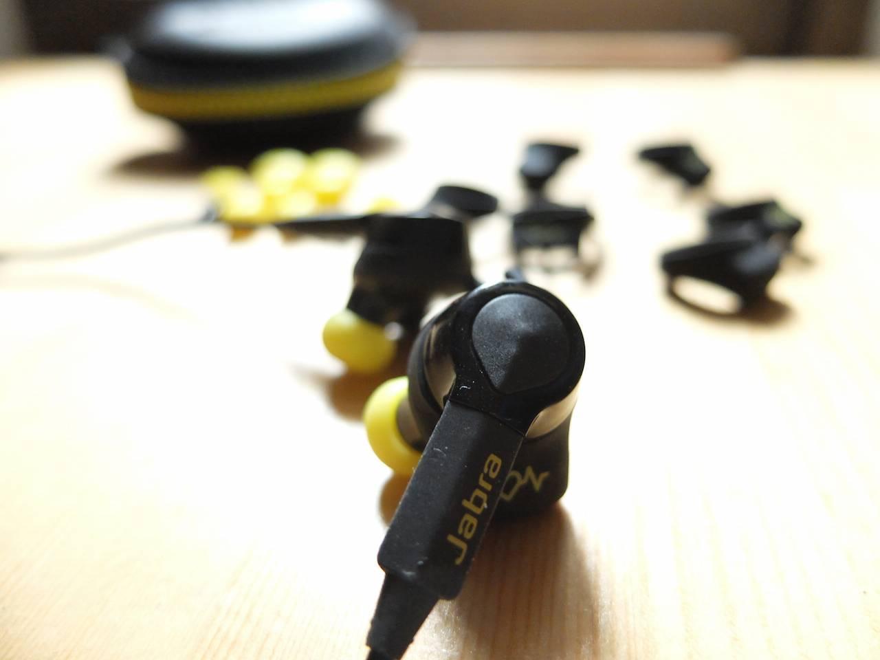 sport-earphone-2