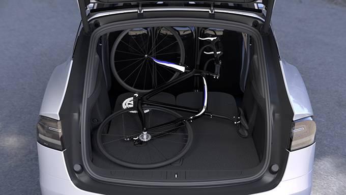 Tesla-Model-X-seats-back