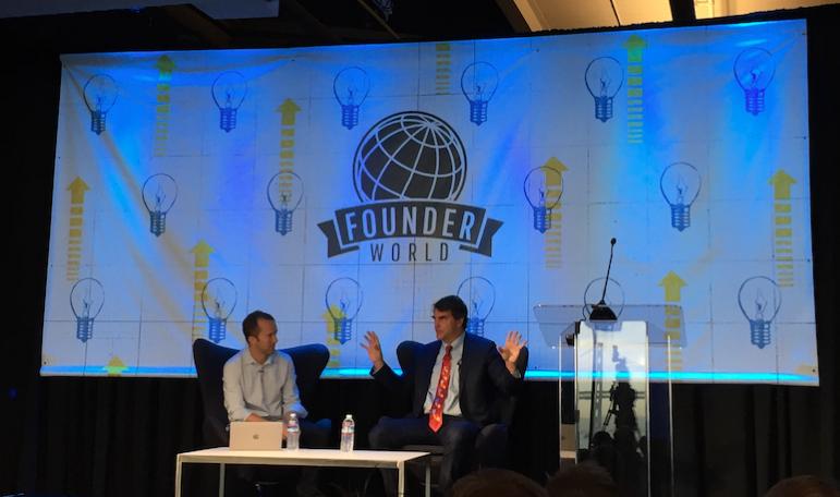硅谷顶级风投机构 DFJ 创始合伙人 Tim Draper(右)