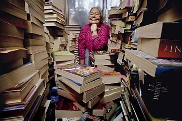 这位少有人知的大妈去世了,却在亚马逊上留下了宝贵的财富:31000份书评