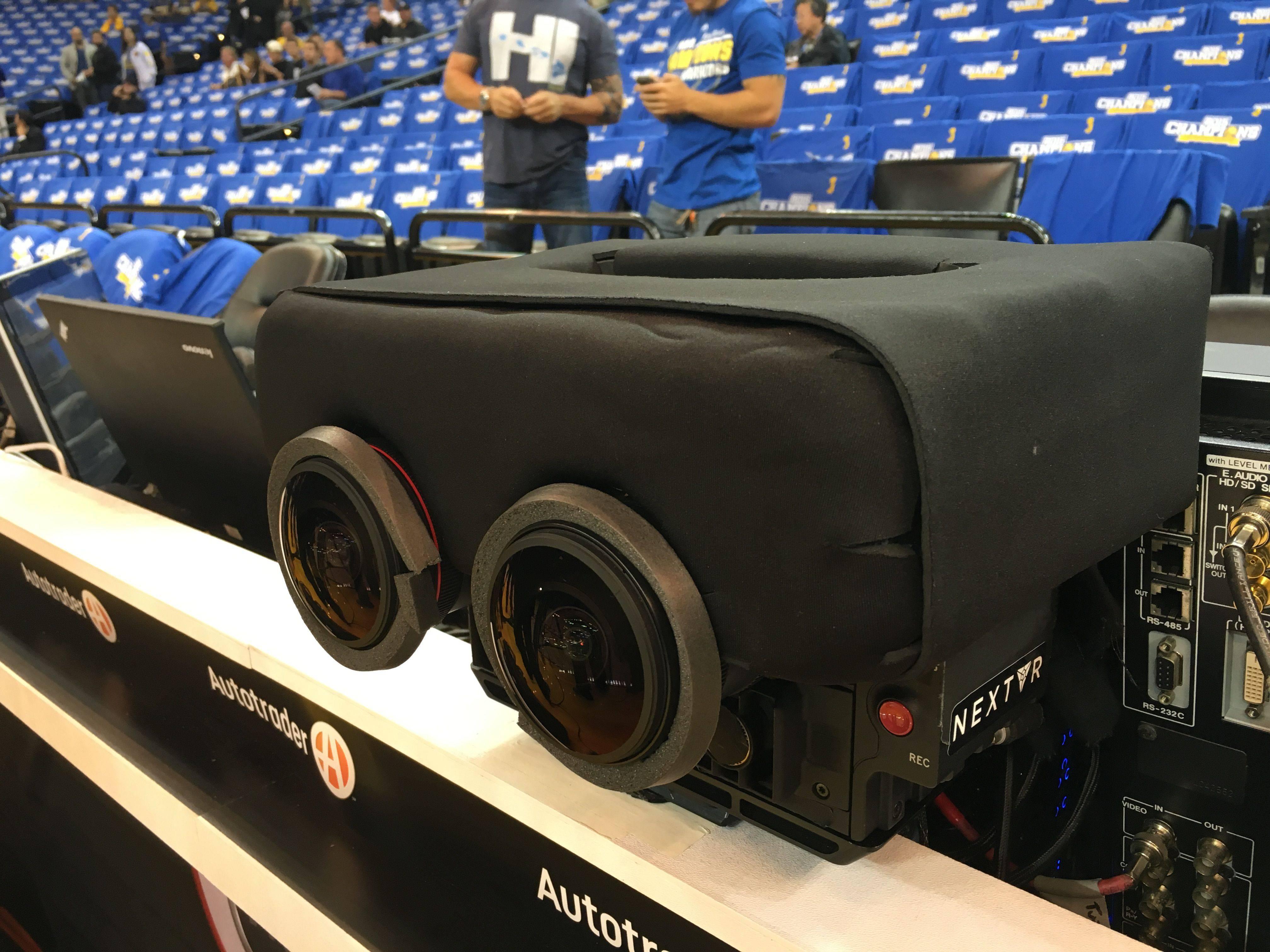 【第2编辑室】今天勇士VS鹈鹕的揭幕战,NBA第一次用了虚拟现实直播