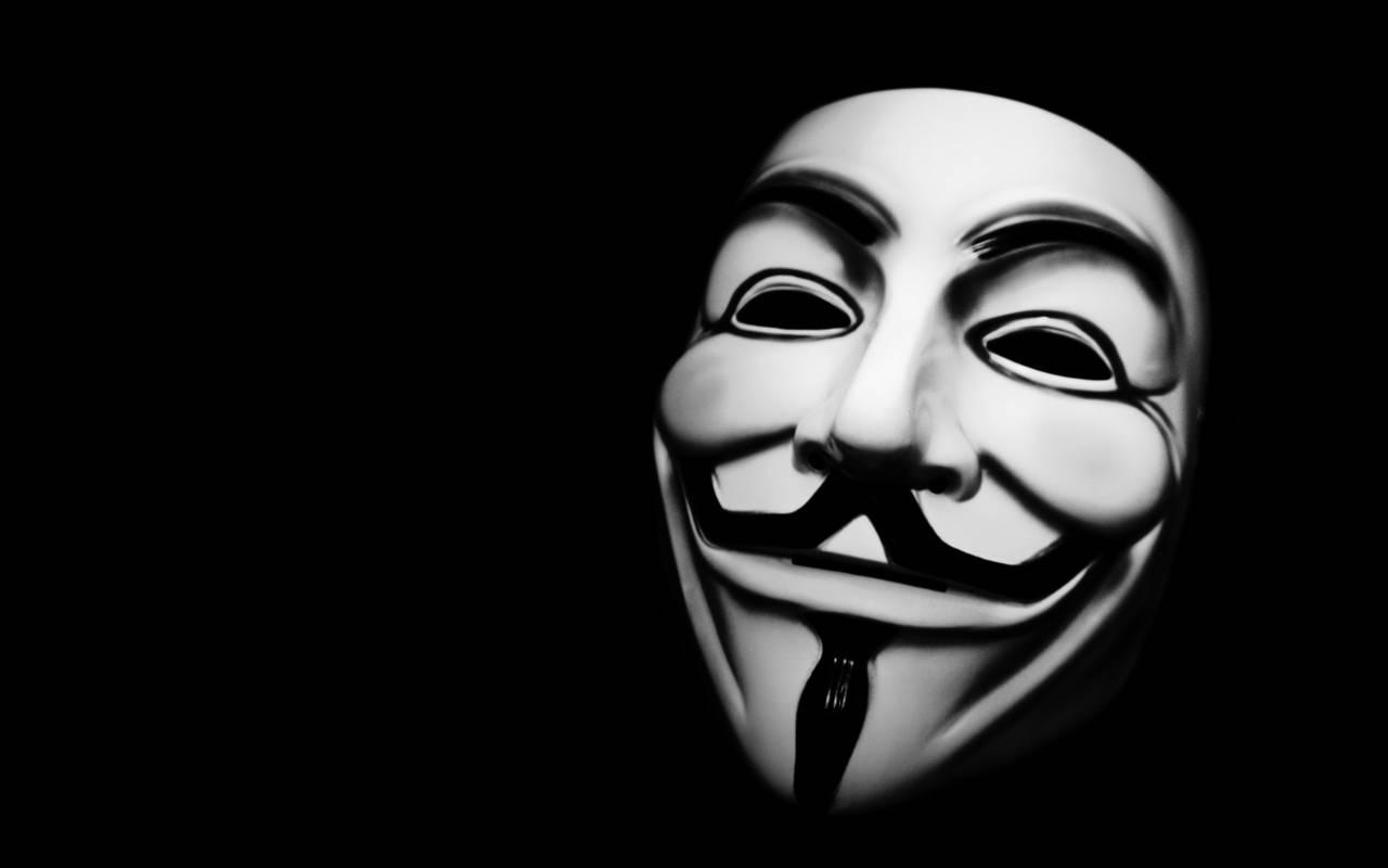2005 年电影《V字仇杀队》上映之后,没过多久 Anonymous 也决定使用电影中常见的面具作为自己的形象。