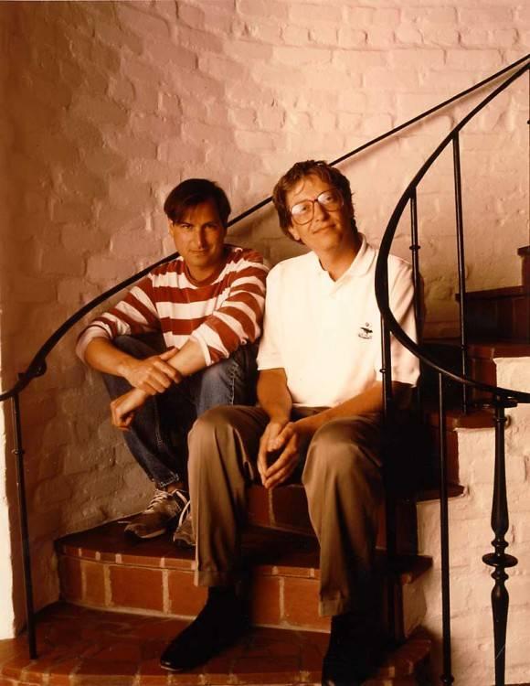 盖茨和乔布斯为《福布斯》杂志拍照,1991年