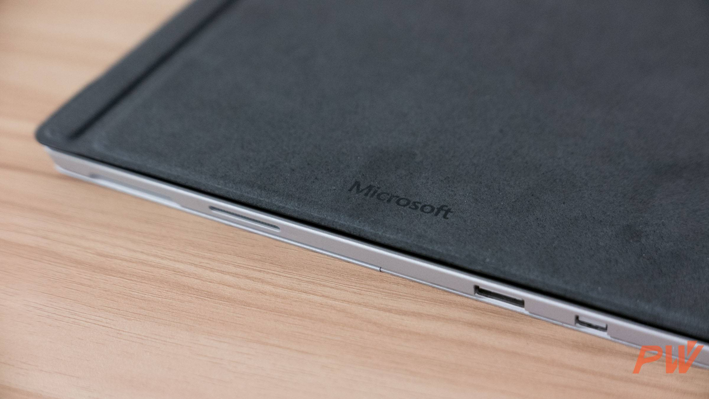 Microsoft Surface Pro 4 type cover with finger print PingWest Photo By Hao Ying-6