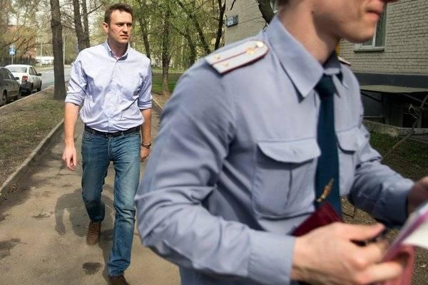 帕沃尔·杜罗夫一直保护俄罗斯反对派领袖阿列克谢·那瓦尼(图左)的 VK 页面,这为他招来了执政者的敌意。