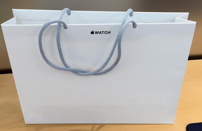 apple-watch-paper-bag