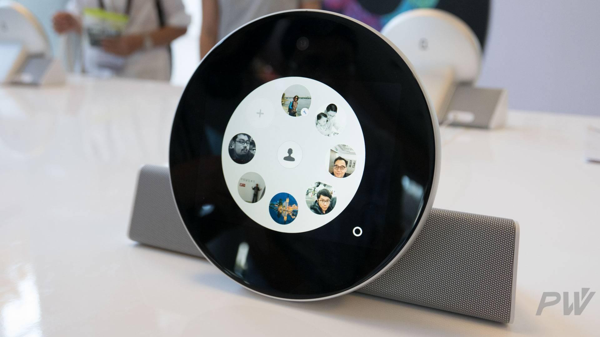 Qinjian smart telephone PingWest Photo By Hao Ying-5