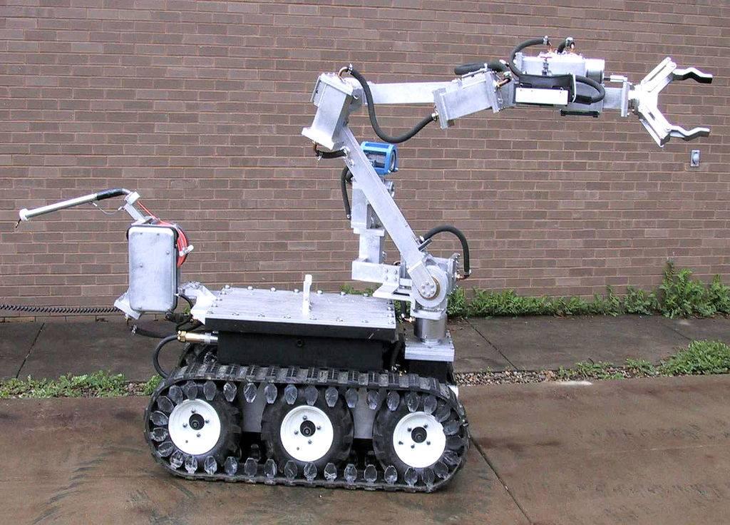 Remotec 轮式遥控机器人