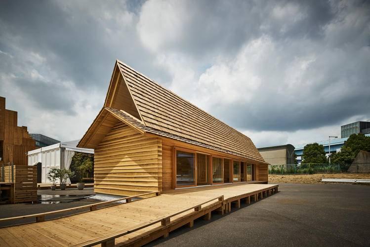 Airbnb 造了个美丽的大房子,想让你站在山间溪流和当地人一起捕鱼
